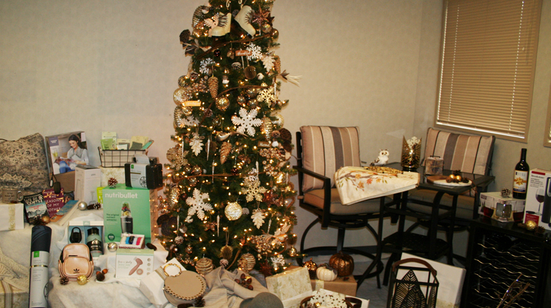 image of Women's Tree with gifts